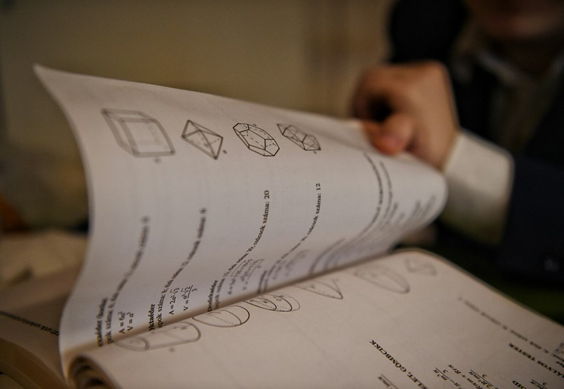 Ismerős oldalak az új tankönyvekben - van amit mégis érdemes megtartani?