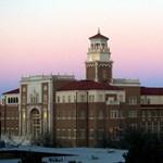 Lövöldözés volt egy texasi egyetemen, egy rendőr meghalt