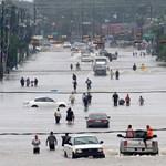 Túlcsordulnak a gátak Houston mellett