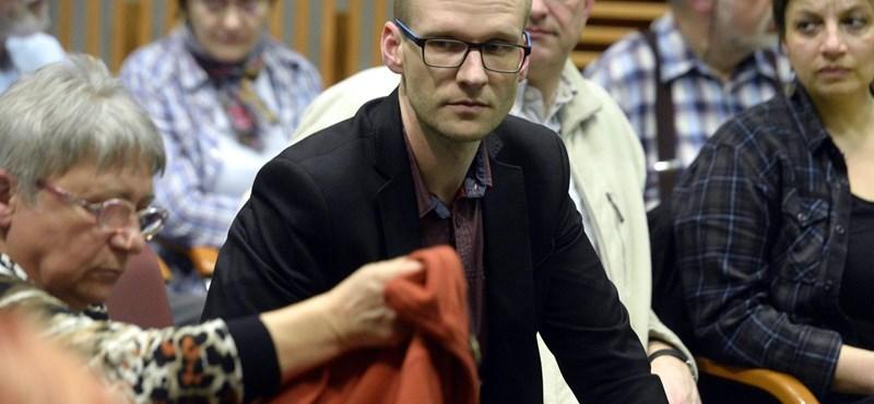 Magyarázkodásra kényszeríti a Klik a Miskolcon tüntető telekiseket