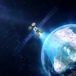 Csúcsra pörögnek most a műholdak