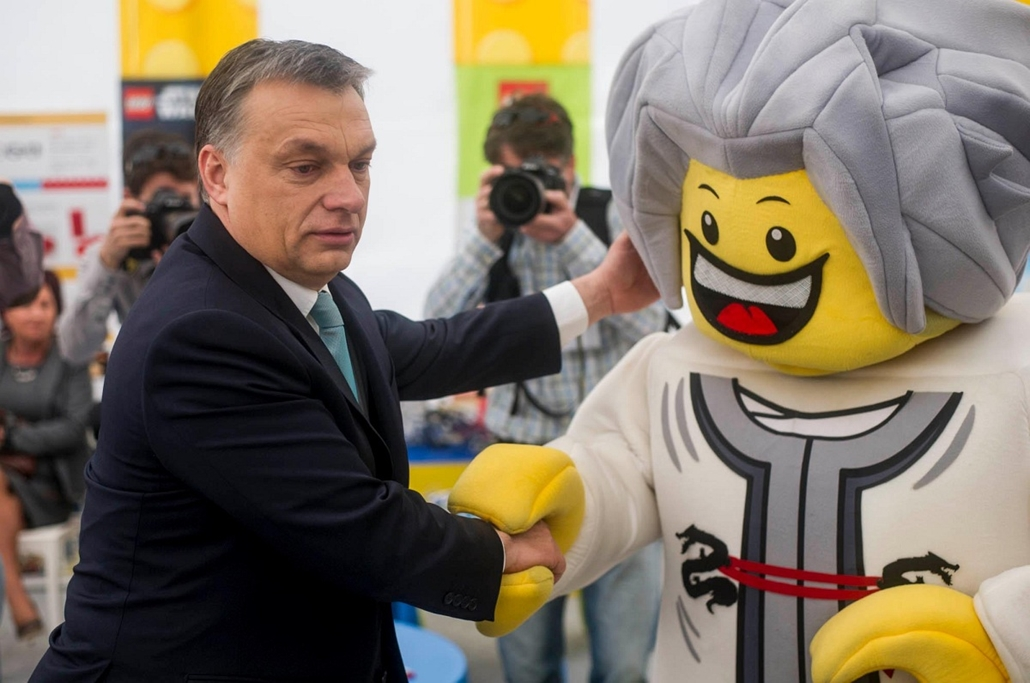 Orbán Viktor és a lego