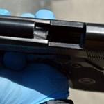 Ellopták, majd játékfegyverekkel helyettesítették a rendőrök fegyvereit Paraguayban
