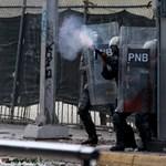 Venezuela: százával dezertálnak a rendőrök