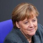 Elie Wiesel-díjjal tünteti ki Angela Merkelt