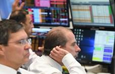 Nyakunkon a globális recesszió – állítják közgazdászok