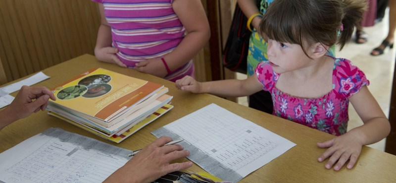 Újabb változás szeptembertől: délután 4-ig tart majd a tanítás az iskolákban