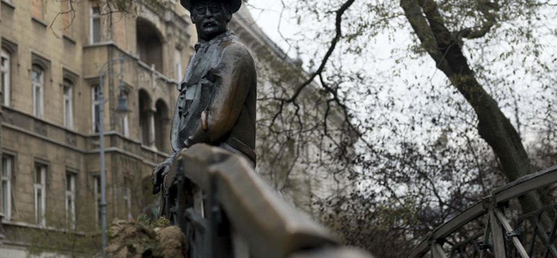 Elviszik Nagy Imre szobrát a Vértanúk teréről