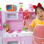 Egy 6 éves dél-koreai kislánynak sikerült az, amiről a magyar fiatalok többsége csak álmodik