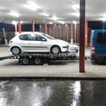 Magyar rendőrök kapcsolták le a tréleren vitt lopott német autót - videóval