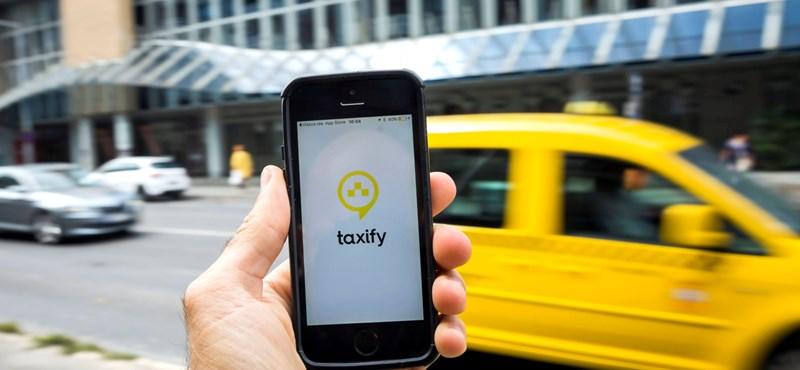 Bojár Gábor: Taxi nincs, marad az ásványvíz