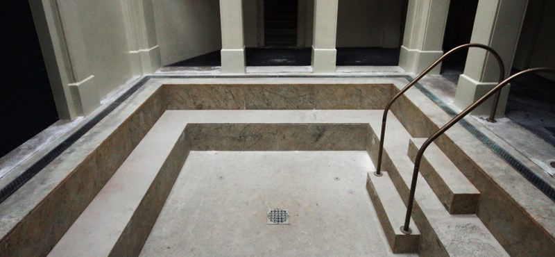Ha a főváros beadja a derekát, jövőre végre újranyithat a Rác fürdő