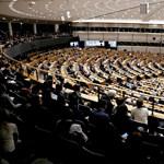 Már néppárti képviselő is üzeni az EP-ből: meg kell állítani Orbán Viktort