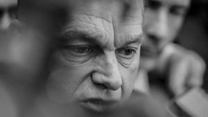 Orbán: Már a védőtávolság és a maszk viselése a védekezés kulcsa, nem az otthonmaradás