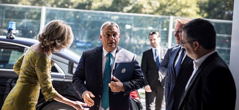 A Kutyapárt gratulál Orbánnak az újabb kétharmadhoz