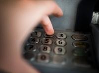 Nem is anonim a kormány által sérelmezett anonim bankkártya