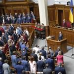 Beiktatták az új ukrán államfőt, aki bejelentette, feloszlatja a parlamentet