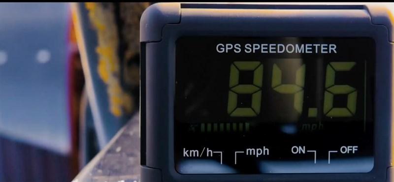Videó: így gyorsul a világ leggyorsabb traktora