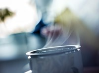 Figyelmeztetnek a kutatók: ne igya túl forrón a teát, mert nagy baj lehet belőle