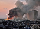 Óriási robbanás történt Bejrútban, több ezren megsérültek