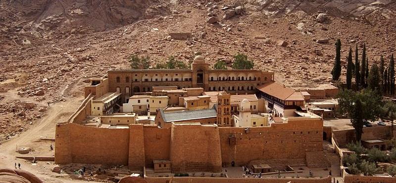 Ismét megnyílt a Szent Katalin-kolostor könyvtára. Csak a vatikáni vetekedhet vele