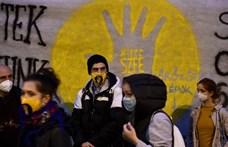 Az ELTE vezetése nem akarta, mégis több százan írták alá az oktatók petícióját az SZFE mellett